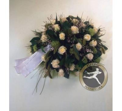 Rouwarrangement biedermeier witte rozen (excl. Lint)